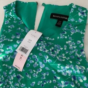 Banana Republic Green Floral Dress 00P • NWT